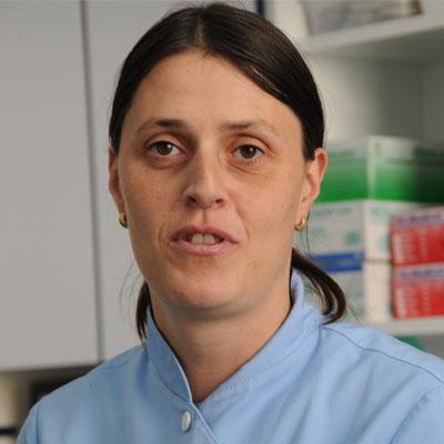 Justina Tonkli, zobna asistentka
